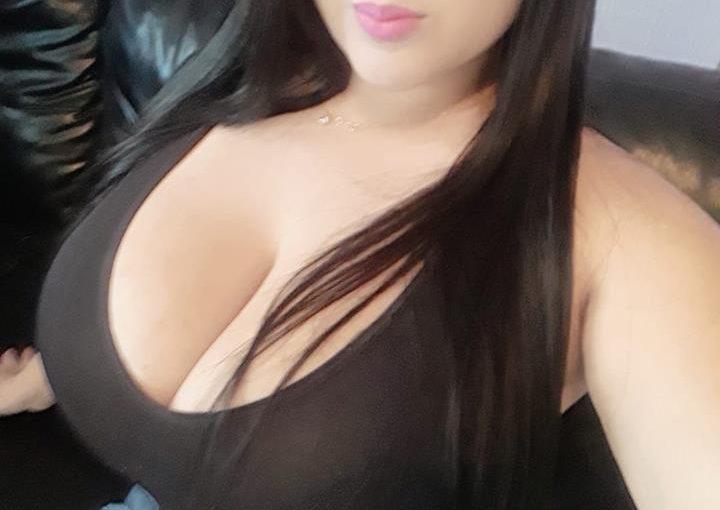 Kethelin Souza has huge tits!